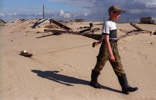 Shoyna : l'histoire d'un village de pêcheurs, transformé en désert de sable ! Par Nathan Weber(+vid.26mn sur Bidfoly.com) Village-sable-12