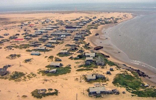 Shoyna : l'histoire d'un village de pêcheurs, transformé en désert de sable ! Par Nathan Weber(+vid.26mn sur Bidfoly.com) Village-sable-2