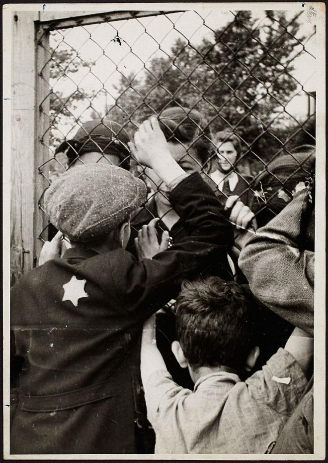 La vie horrible des Juifs Polonais dans le ghetto de Lodz ! Par Jérémy B.  13