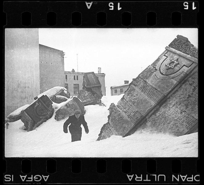La vie horrible des Juifs Polonais dans le ghetto de Lodz ! Par Jérémy B.  14