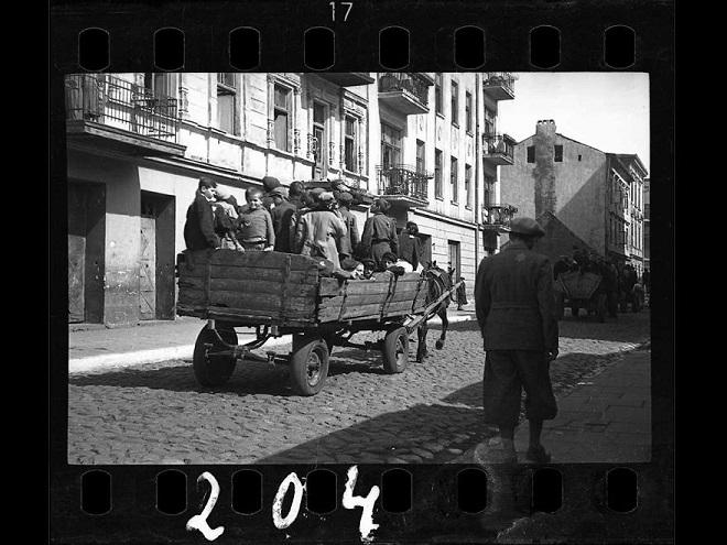 La vie horrible des Juifs Polonais dans le ghetto de Lodz ! Par Jérémy B.  3