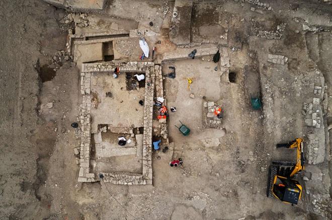 Dans le Gard, des vestiges d'une ancienne cité romaine ont été découverts...Par Jérémy B.                                 Content-1491317868-dji-0266