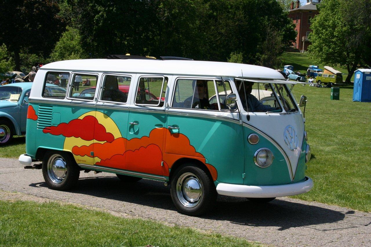 16 des plus beaux combi Volkswagen, pour fêter les 70 ans du célèbre véhicule ! Par Clément P.                            Blogcdn