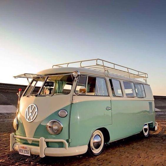 16 des plus beaux combi Volkswagen, pour fêter les 70 ans du célèbre véhicule ! Par Clément P.                            Coxlacoccinellesexy