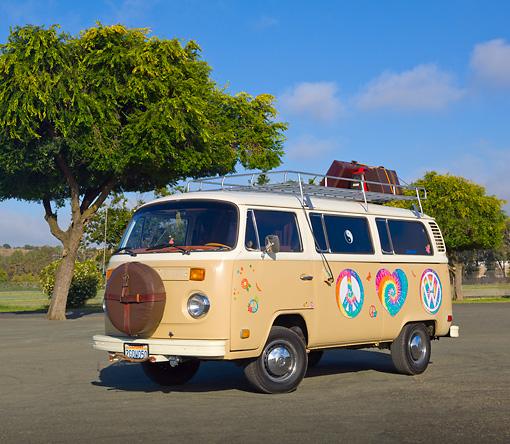 16 des plus beaux combi Volkswagen, pour fêter les 70 ans du célèbre véhicule ! Par Clément P.                            Kimballstock