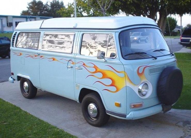 16 des plus beaux combi Volkswagen, pour fêter les 70 ans du célèbre véhicule ! Par Clément P.                            Thesamba