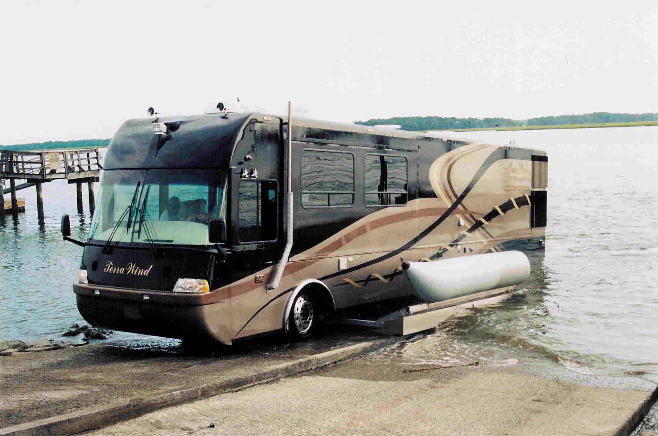 « Terra Wind » : le camping-car grand luxe amphibie qui repousse les limites ! Par Clément P.               Watercraftjournal