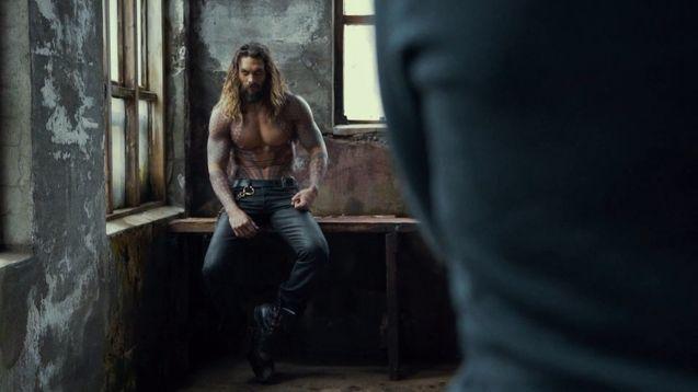 « Aquaman » : le tournage vient de commencer et des premières photos du film ont déjà été dévoilées ! Par Marine B. Aquaman-photo-tournage-jason-momoa-973038