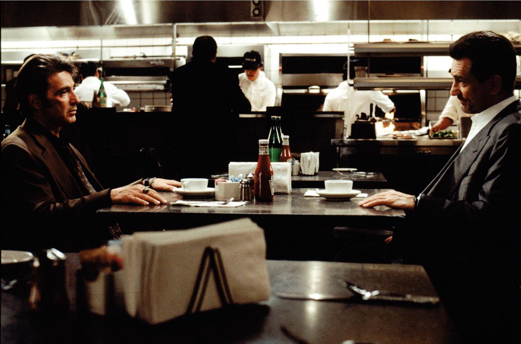 Les 10 meilleurs duos du cinéma d'action qui ont marqué le genre ! Par Demotivateur avec Hitman & Bodyguard  Robert-de-niro-and-al-pacino-in-heat-1995-large-picture
