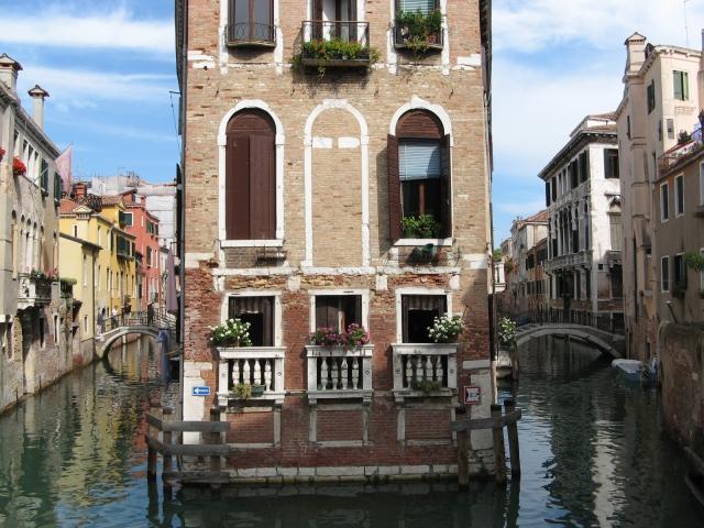 masque venitiens de la Comedia Venise_Canal