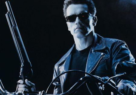 No es fácil la vida del moderador Terminator