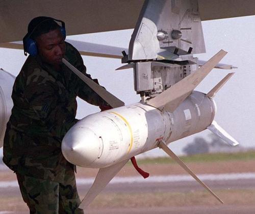 المقاتلة والقاذفة الرائعة F-4(الفانتوم) من الالف للياء أقوى موضوع لها فى المنتديات - صفحة 2 Agm-88a-1