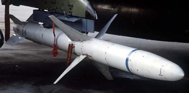 المقاتلة والقاذفة الرائعة F-4(الفانتوم) من الالف للياء أقوى موضوع لها فى المنتديات - صفحة 2 Agm-88a