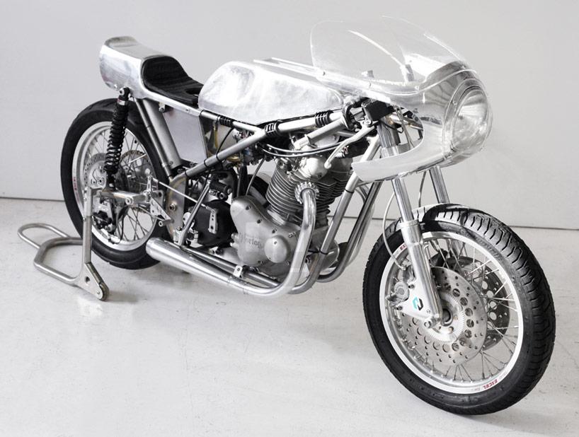 Mon érection du jour Customized-vintage-racing-motorcycle-by-sebastian-errazuri-designboom-12