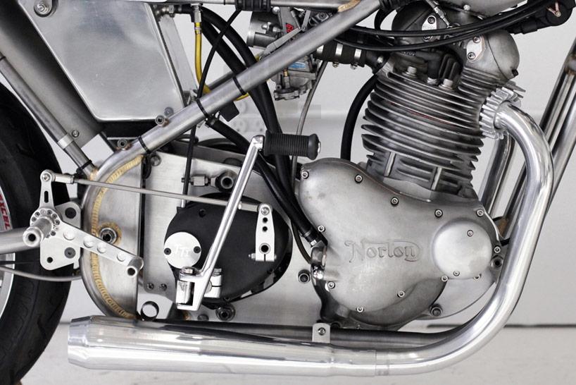 Mon érection du jour Customized-vintage-racing-motorcycle-by-sebastian-errazuri-designboom-14