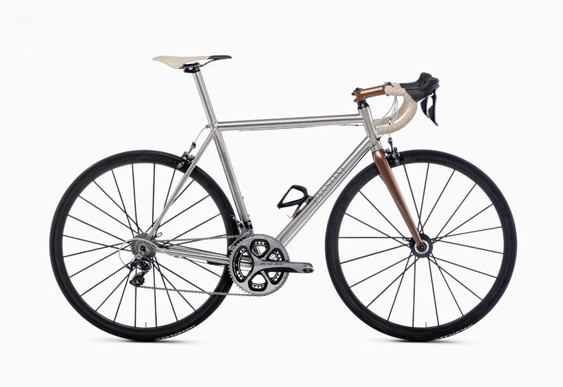 Pour les amateurs de Titane !!!! Passoni-bikes-milan-design-week-2015-designboom081