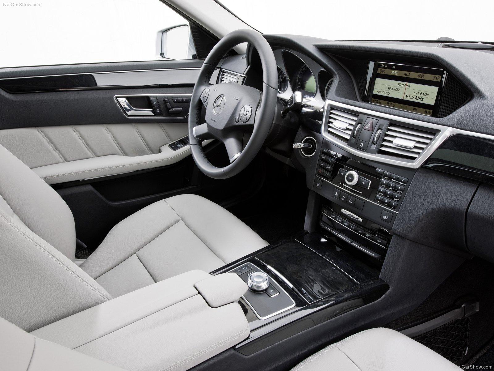 Combinação de cores carroceria e interior Mercedes-Benz-E-Class_L_2011_1600x1200_wallpaper_0c