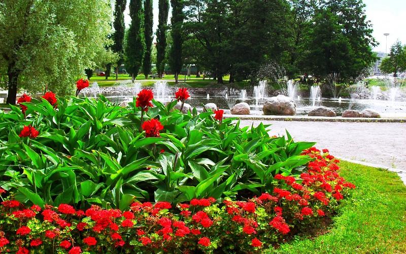 Parkovi i vrtovi Landscapes-garden-fountain-trees-background-220197