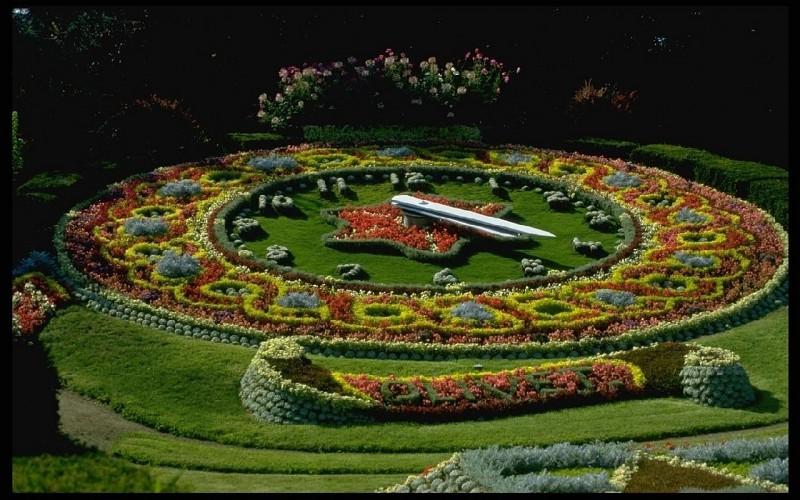 Parkovi i vrtovi Flower-clock-in-olivet-france-pics-433072