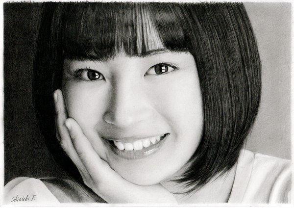 Les portraits au crayon hyper-réalistes Portraits-au-crayon-hyper-realistes-de-Shinichi-Furuya-2