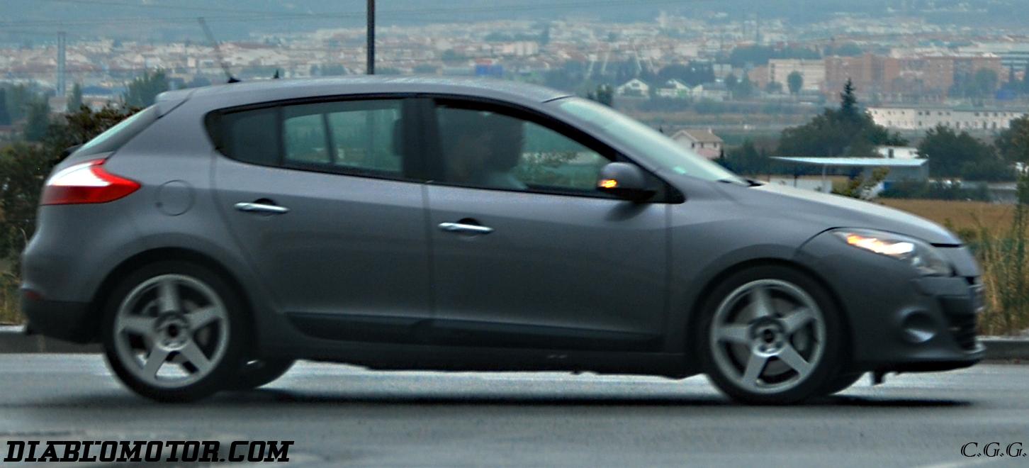 2009 - [Renault] Megane III RS - Page 2 Dsc_0377-copia