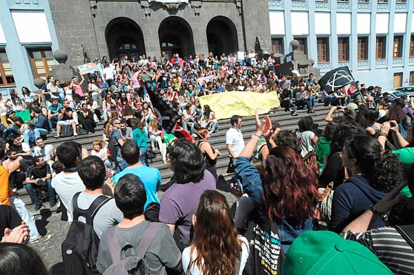 Manifestación en Tenerife contra los recortes en educación Manifestacion-estudiantes-3m