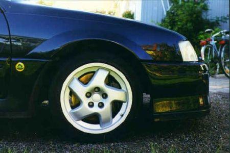 coches curiosos... - Página 2 Opel-omega-lotus_05