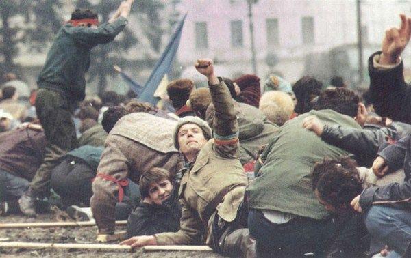 Rádio e Televisão Nove de Julho - RT9 - Página 2 Romanian_Revolution_1989_WeWillWin