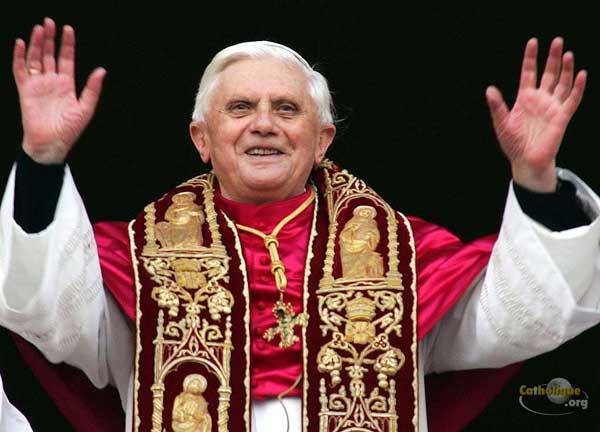 Médaillons des papes: il en reste plusieurs après Benoît XVI Benoit_xvi