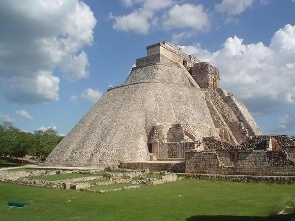 Le déclin des civilisations est-il inévitable ? Uxmal