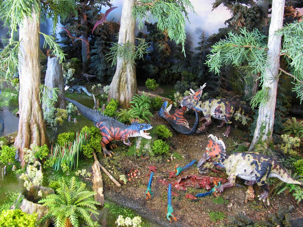 tyrannosaure avec sa proie Diorama12
