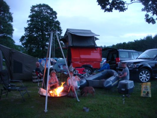 Off-road expedition trailers - good idea or bad? Normal_sump%20plate%20camping%20007