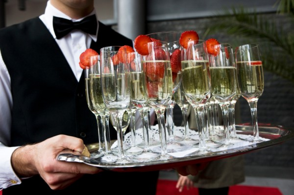 Inica, з Днем народження! How-to-Save-Money-on-Bar-Service-at-Your-Wedding-6469092-e12825840911121