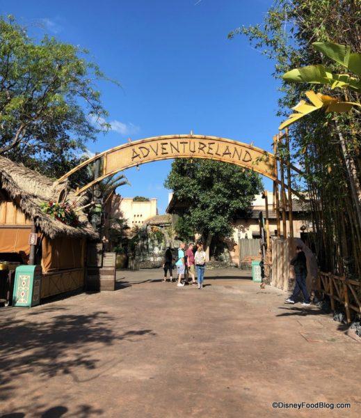 Disneyland Resort en général - le coin des petites infos - Page 7 Adventureland-marquee-sign-entrance-disneyland-may-2019-3-519x600