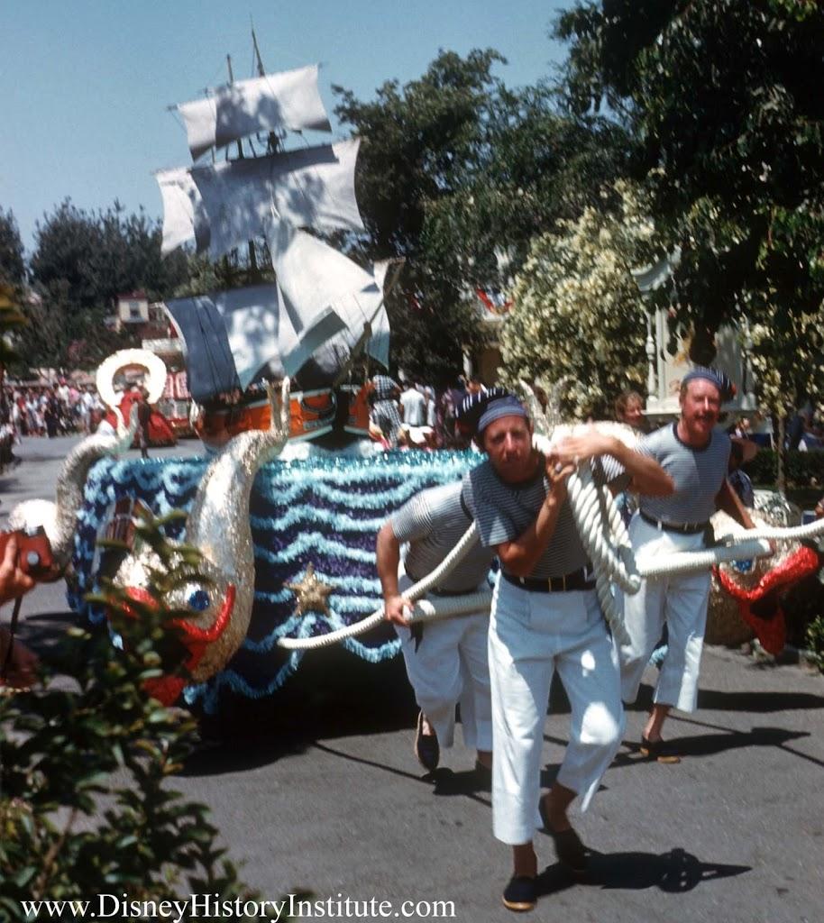 Anciennes Parades des Resorts Américains 1959-parade-Columbia