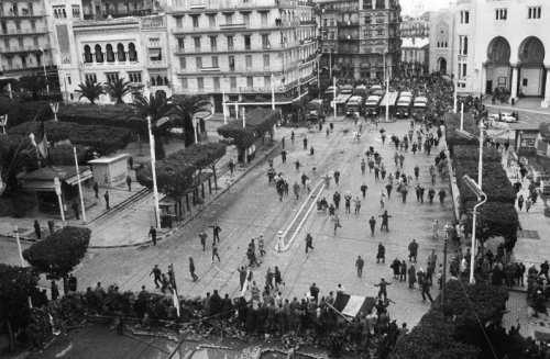 La Guerre d'Algérie en images Insurrection-a-alger-janvier-1960