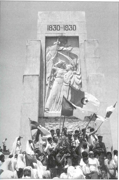 La Guerre d'Algérie en images Indepedance3
