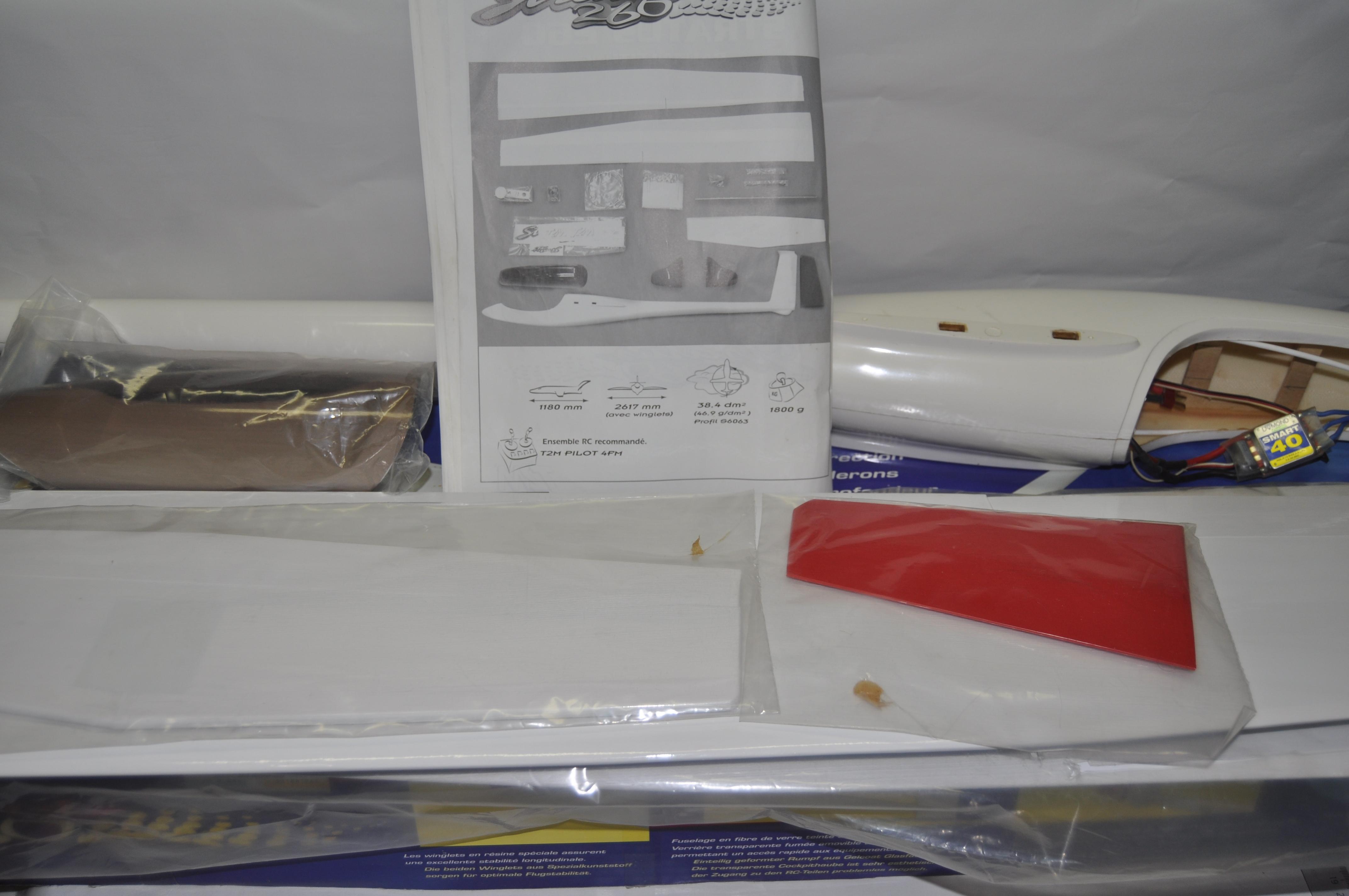 Recherche de pieces pour stratus 260 T2M DSC_0292