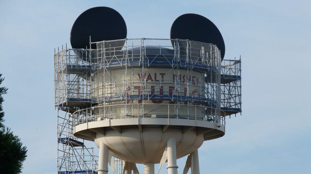 [Parc Walt Disney Studios] Nouveau logo du Château d'Eaureilles - Page 9 P1350774