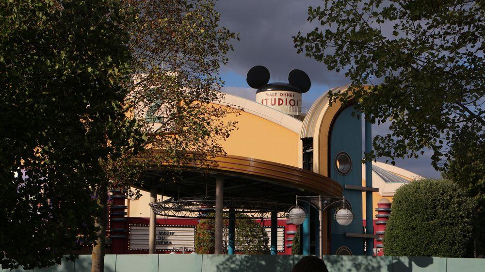 Démolition du kiosque à musique Place des Stars - Page 2 IMG_2593