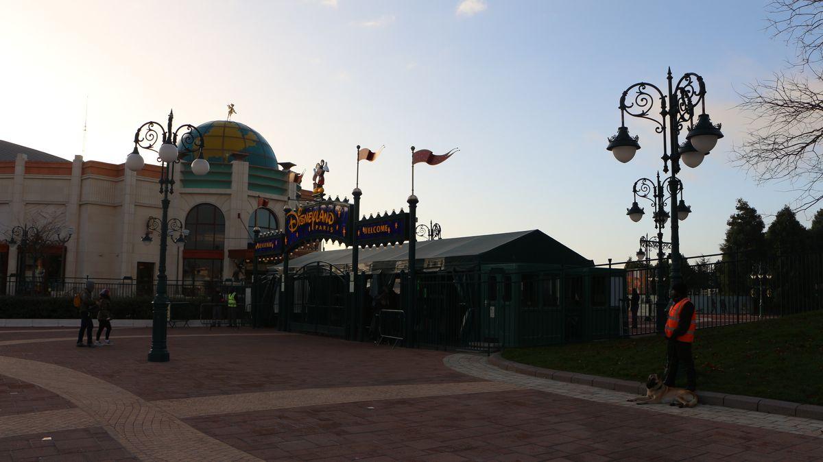 Réouverture de Disneyland Paris  - Page 4 IMG_4013