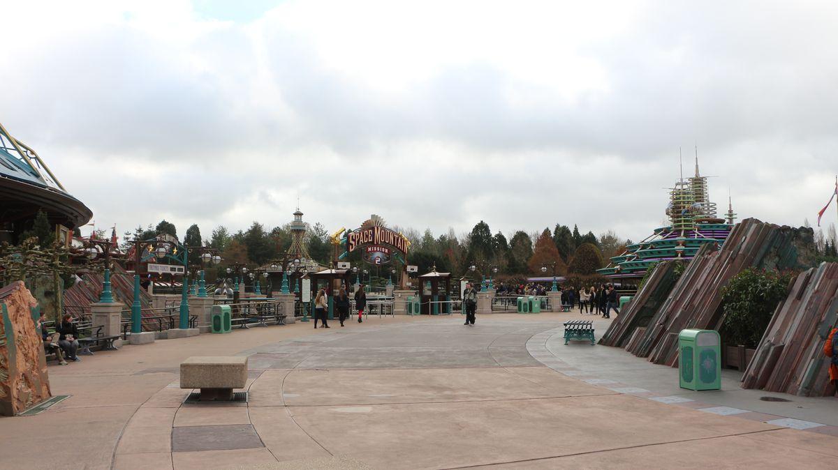 Réouverture de Disneyland Paris  - Page 4 IMG_4105