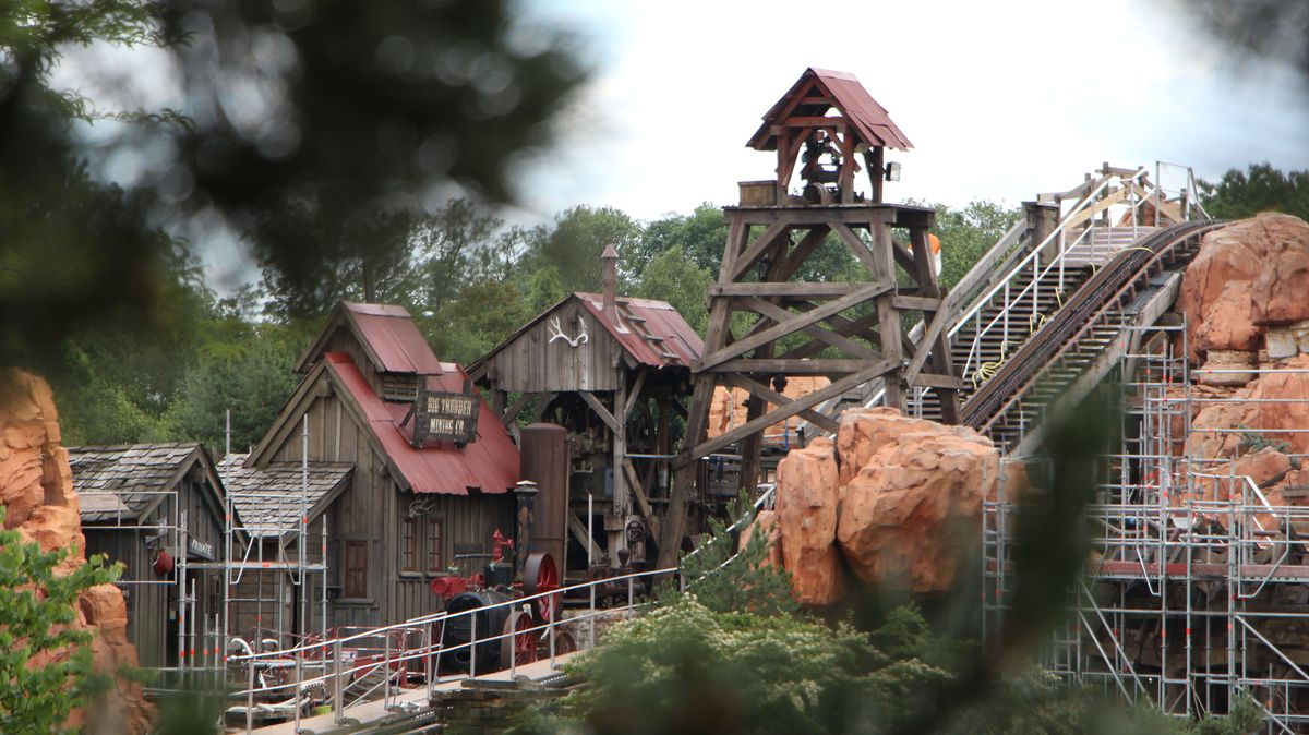 Réhabilitation de Big Thunder Mountain (du 2 novembre 2015 au 16 décembre 2016) - Page 38 IMG_9044-Copie
