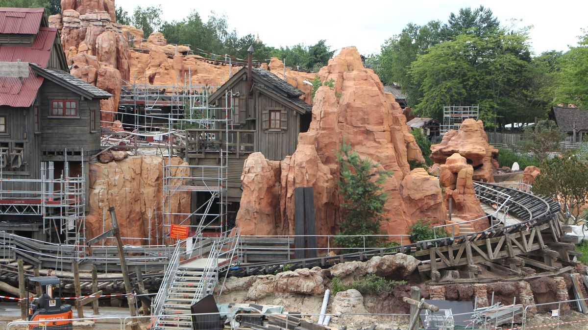 Réhabilitation de Big Thunder Mountain (du 2 novembre 2015 au 16 décembre 2016) - Page 38 IMG_9052-Copie