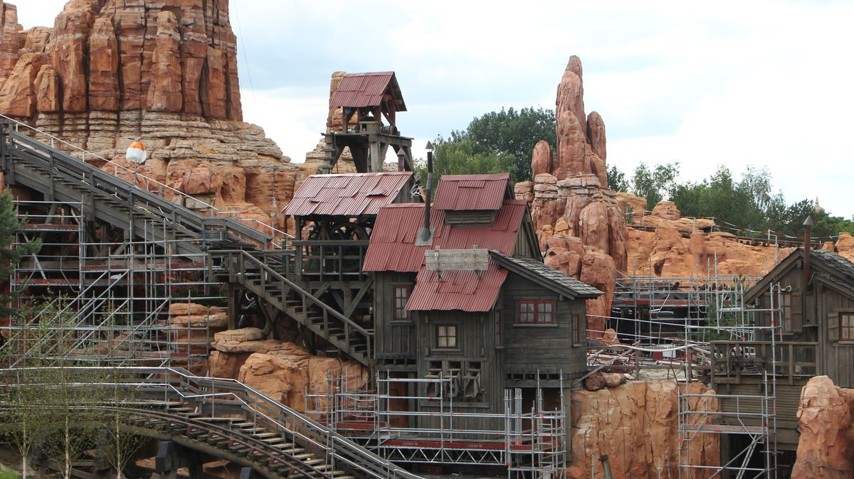 Réhabilitation de Big Thunder Mountain (du 2 novembre 2015 au 16 décembre 2016) - Page 38 IMG_9053-Copie