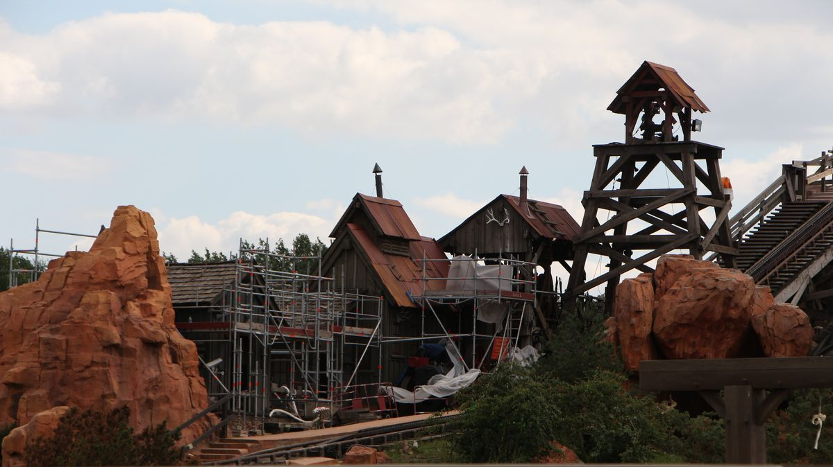 Big Thunder Mountain - Réhabilitation [Frontierland - 2015-2016] - Page 2 IMG_0134