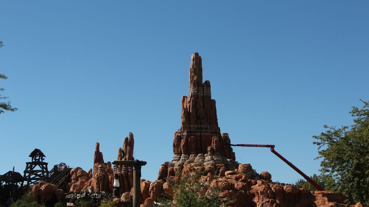 Big Thunder Mountain - Réhabilitation [Frontierland - 2015-2016] - Page 3 IMG_0243