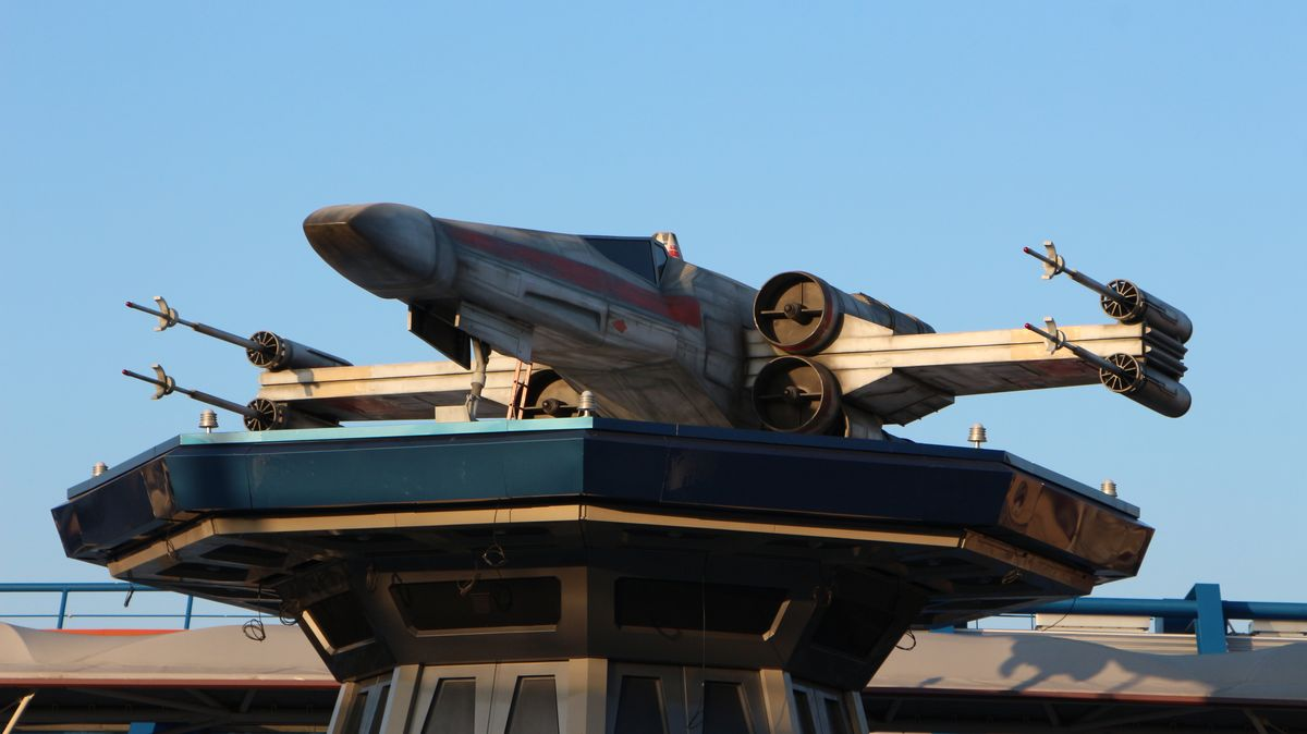 Star Tours : L'Aventure Continue (2017) - Page 3 IMG_7881