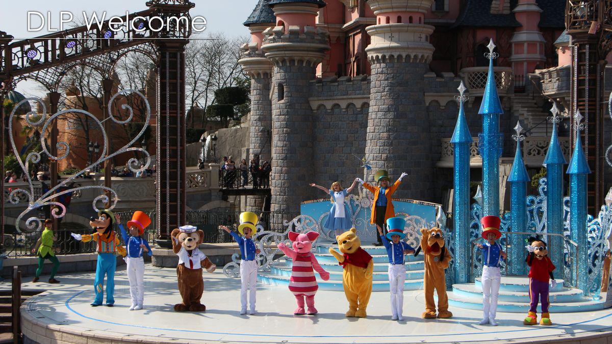 """[Nouveau] Mickey présente : """"Joyeux Anniversaire Disneyland Paris"""" (2017) - Page 2 IMG_0535"""