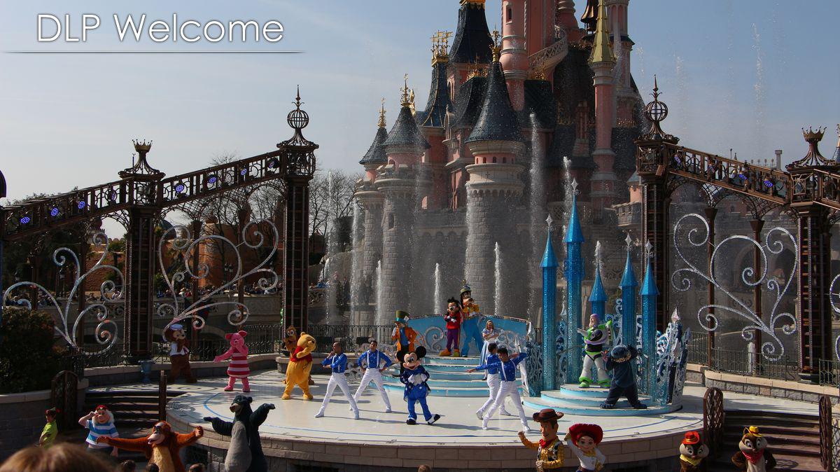 """[Nouveau] Mickey présente : """"Joyeux Anniversaire Disneyland Paris"""" (2017) - Page 2 IMG_0579"""